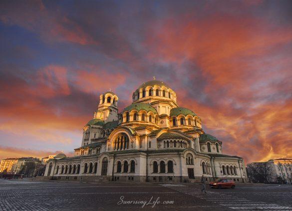 """Изгрев над катедралата """"Св.Св. Александър Невски"""""""