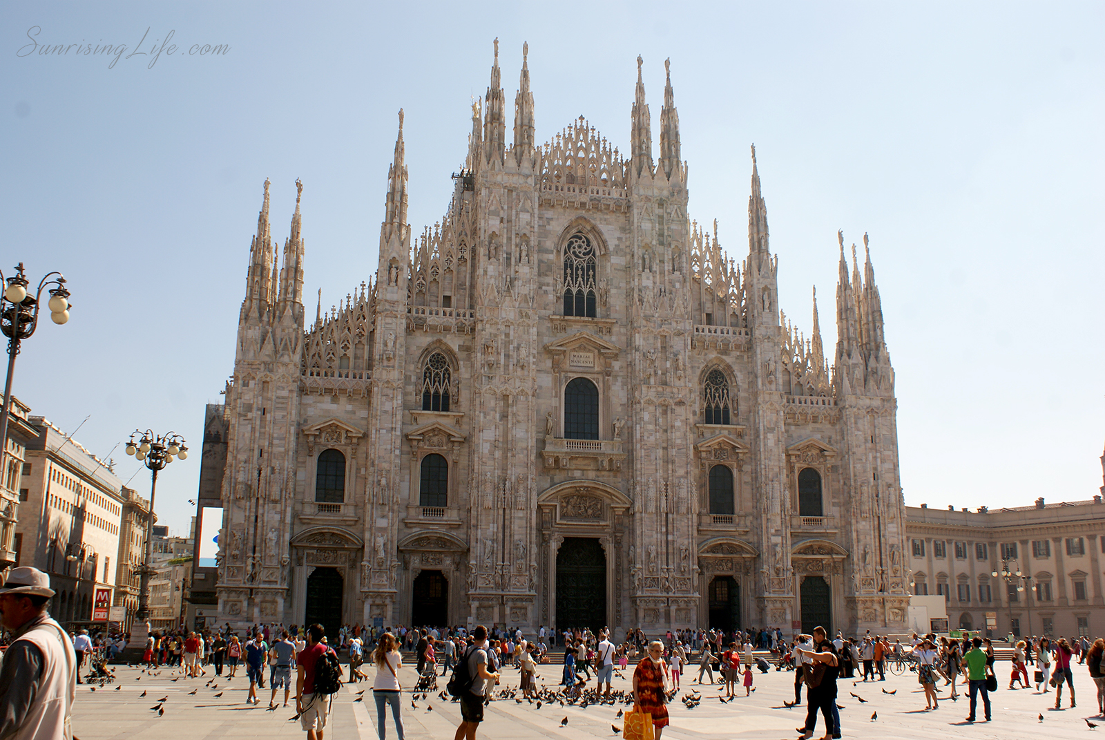 Катедралата в Милано, Италия