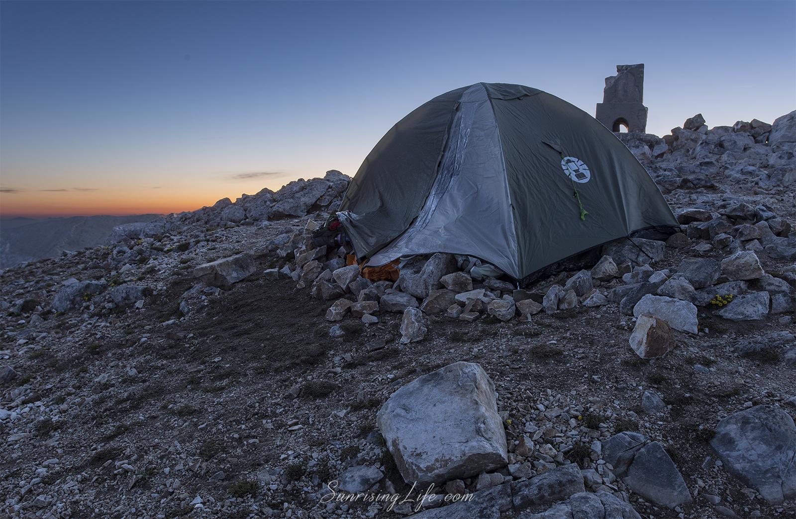 Нощувка на връх Вихрен
