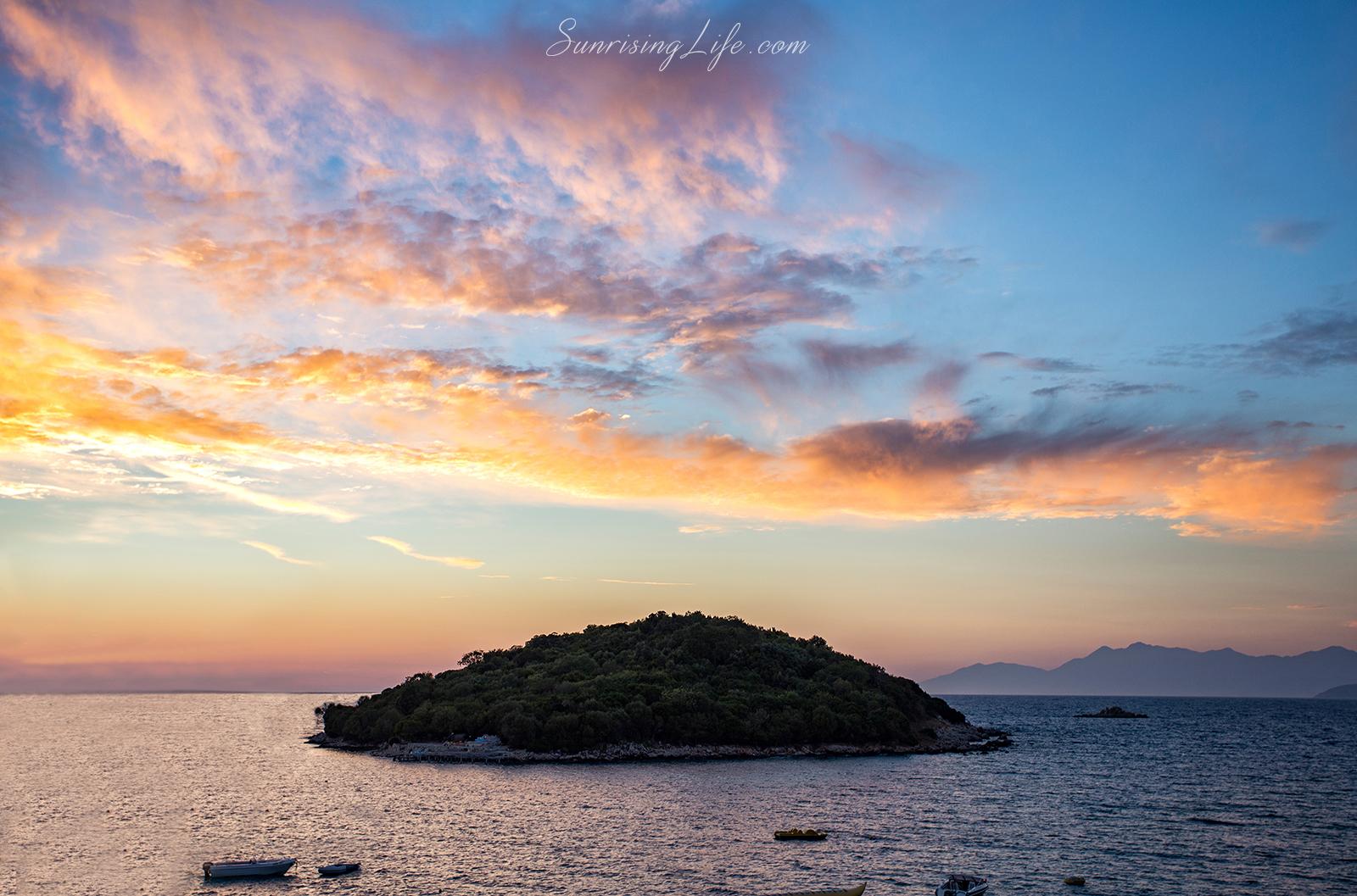 Остров в Албания