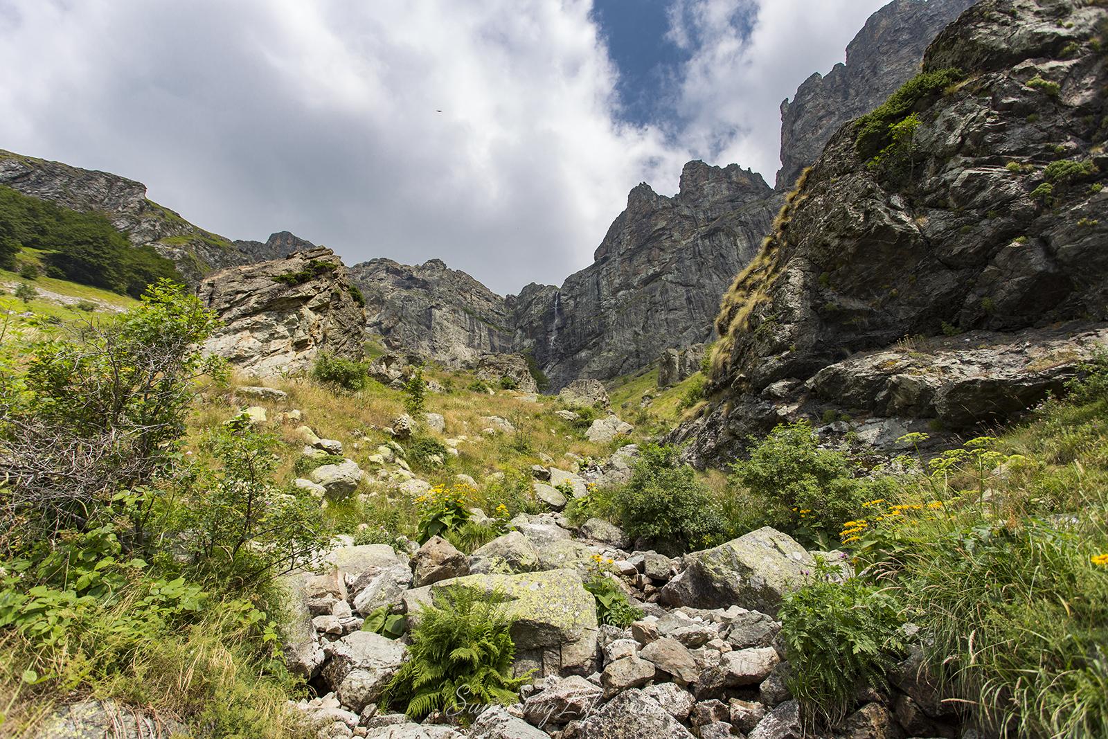 Към Райското пръскало маршрут в Стара планина