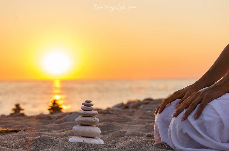 Медитация по залез слънце