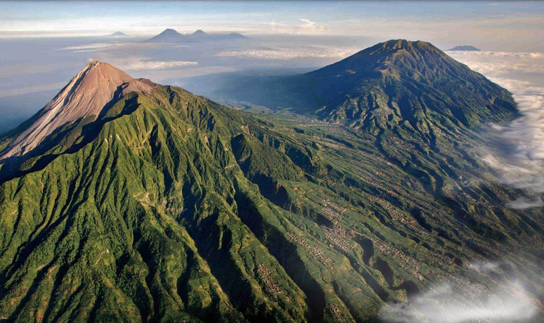 Вулкан в Индонезия