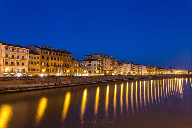 Река Арно в центъра на Пиза