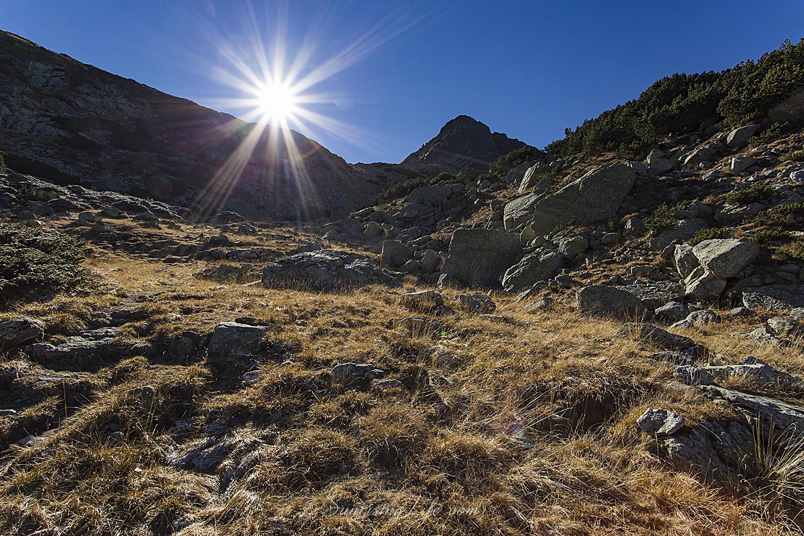В подножието на връх Харамията