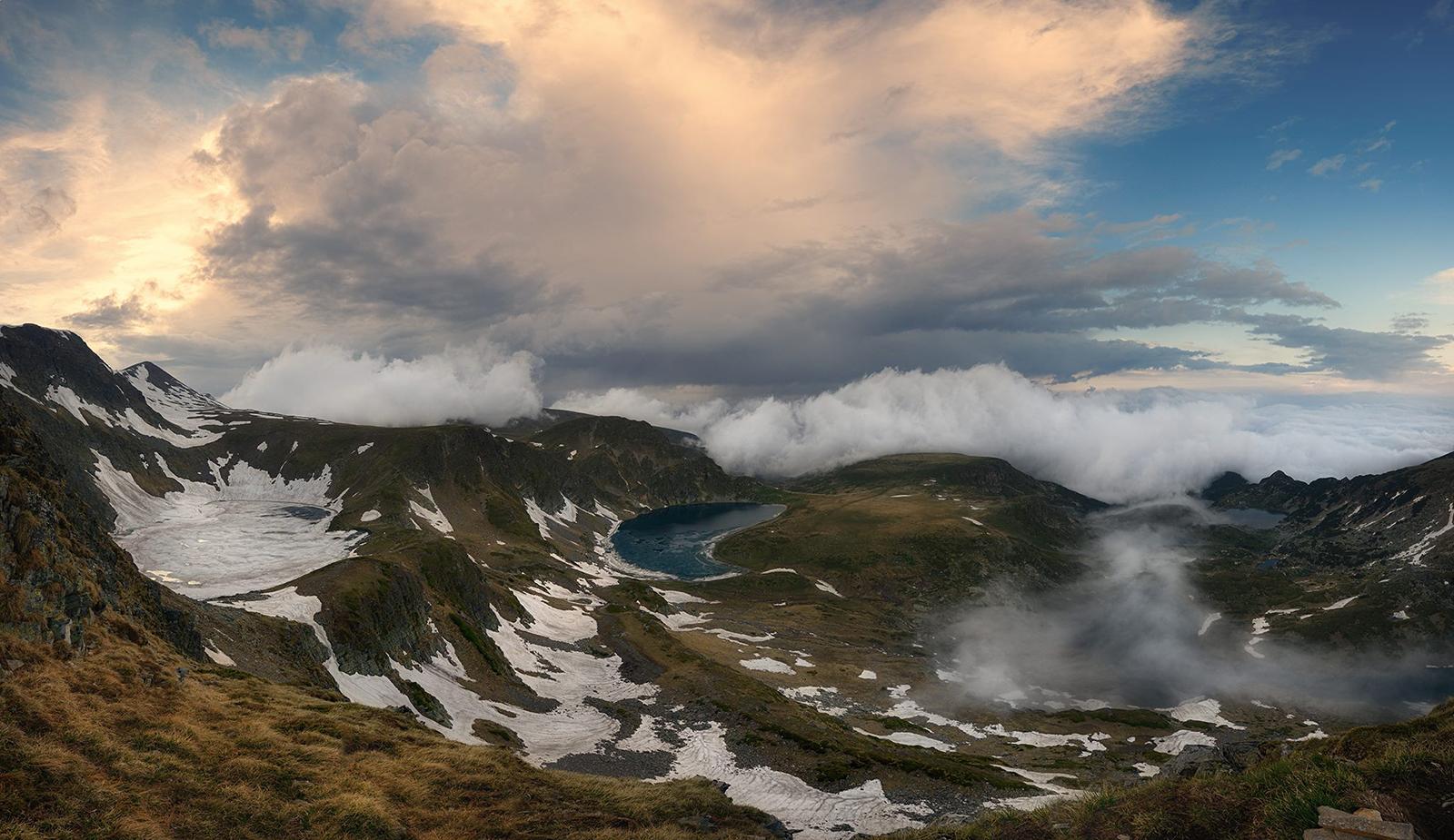 Гледка към Рилските езера