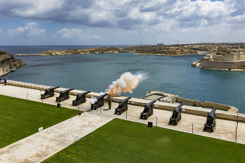 Изстел на оръдие във Валета, Малта