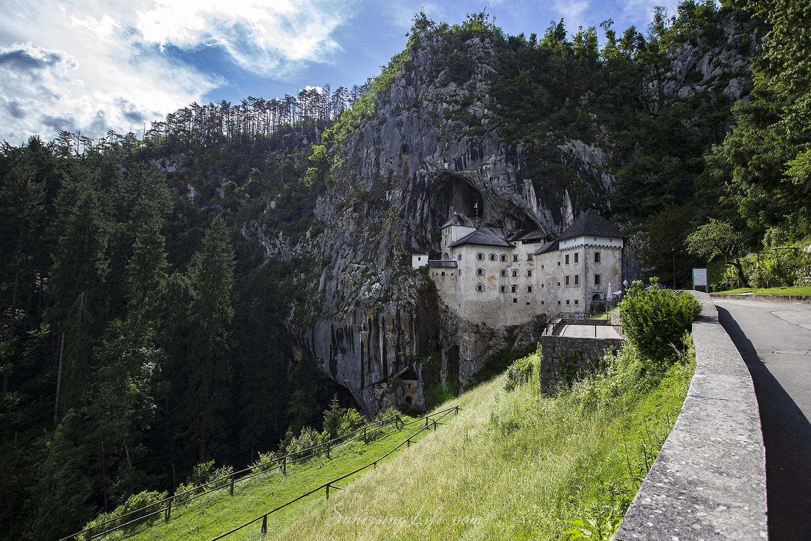 Замъкът Предяма, Словения