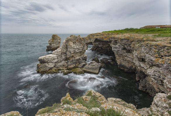 Скалната арка в Тюленово