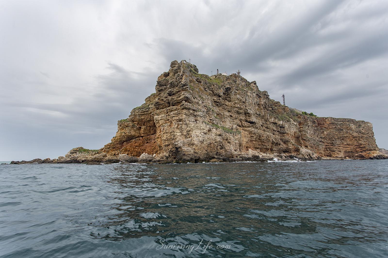 Нос Калиакра от водата - забележителности край Каварна