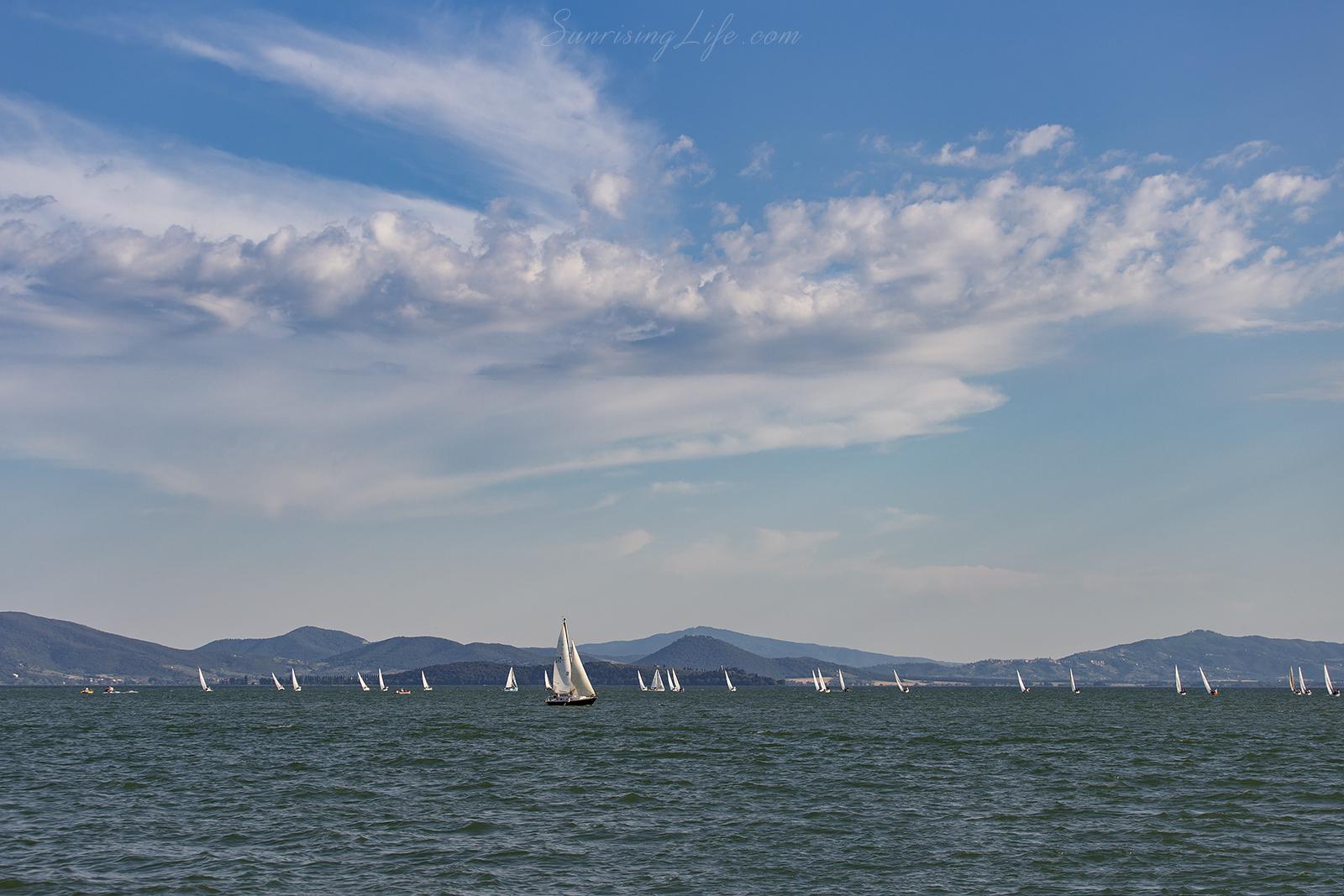 Ветроходки в Езерото Тразимено, Италия