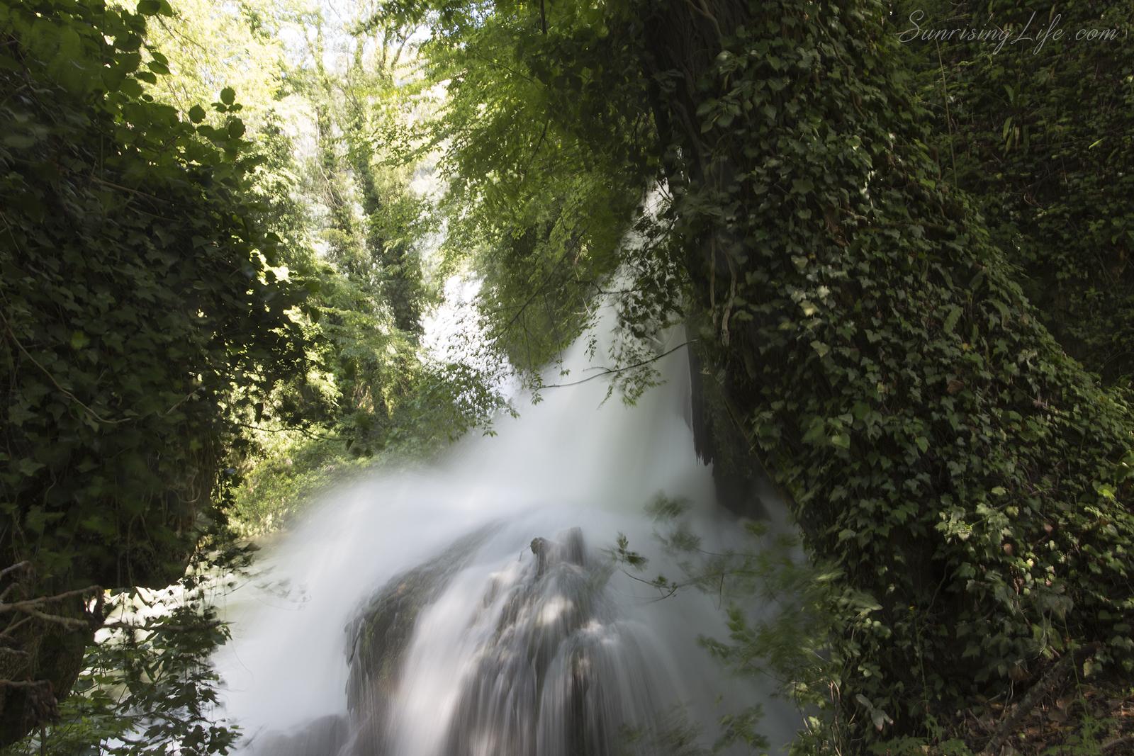 Из горските пътеки на водопад Марморе в Италия