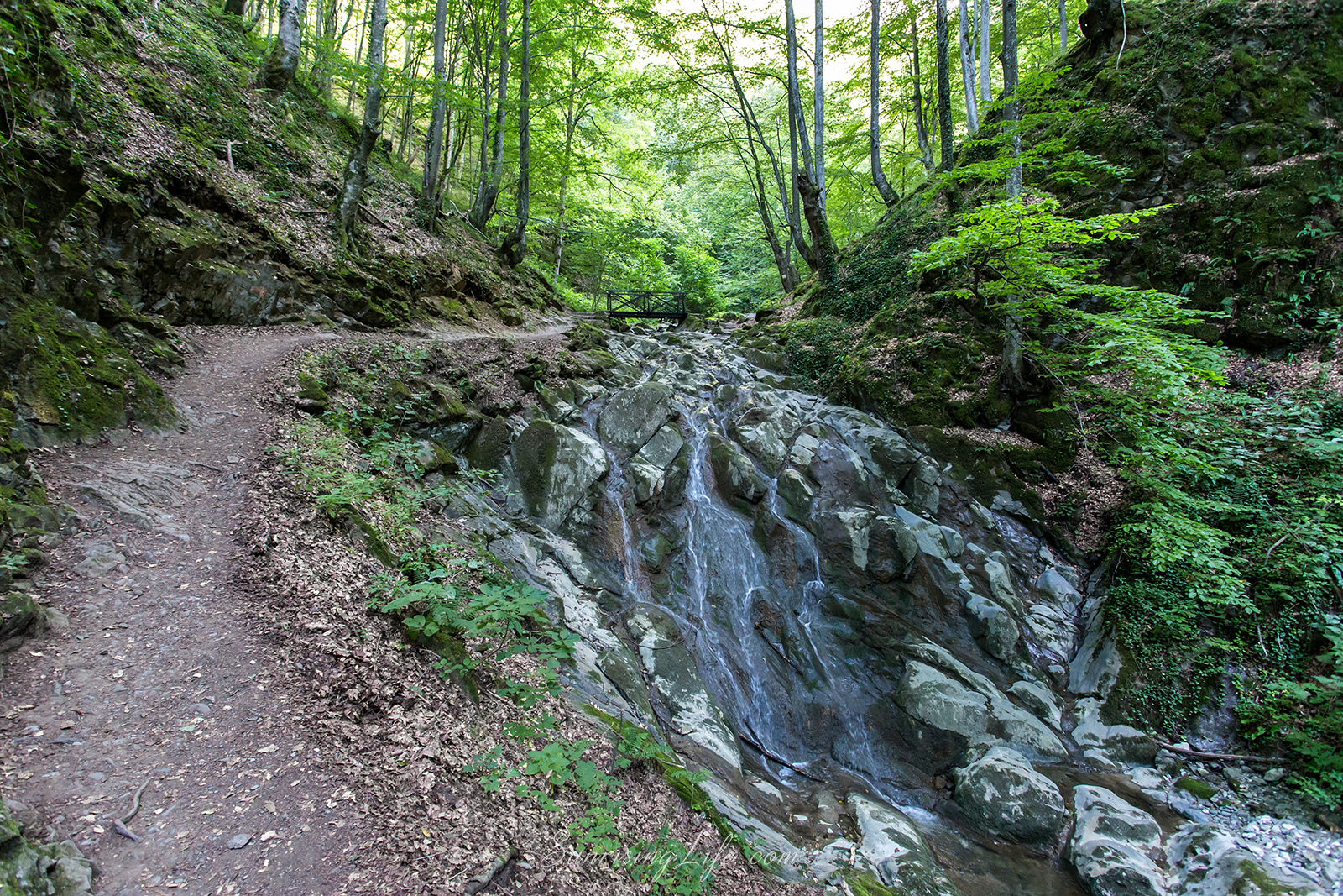 Екопътеката към Водопад Скока