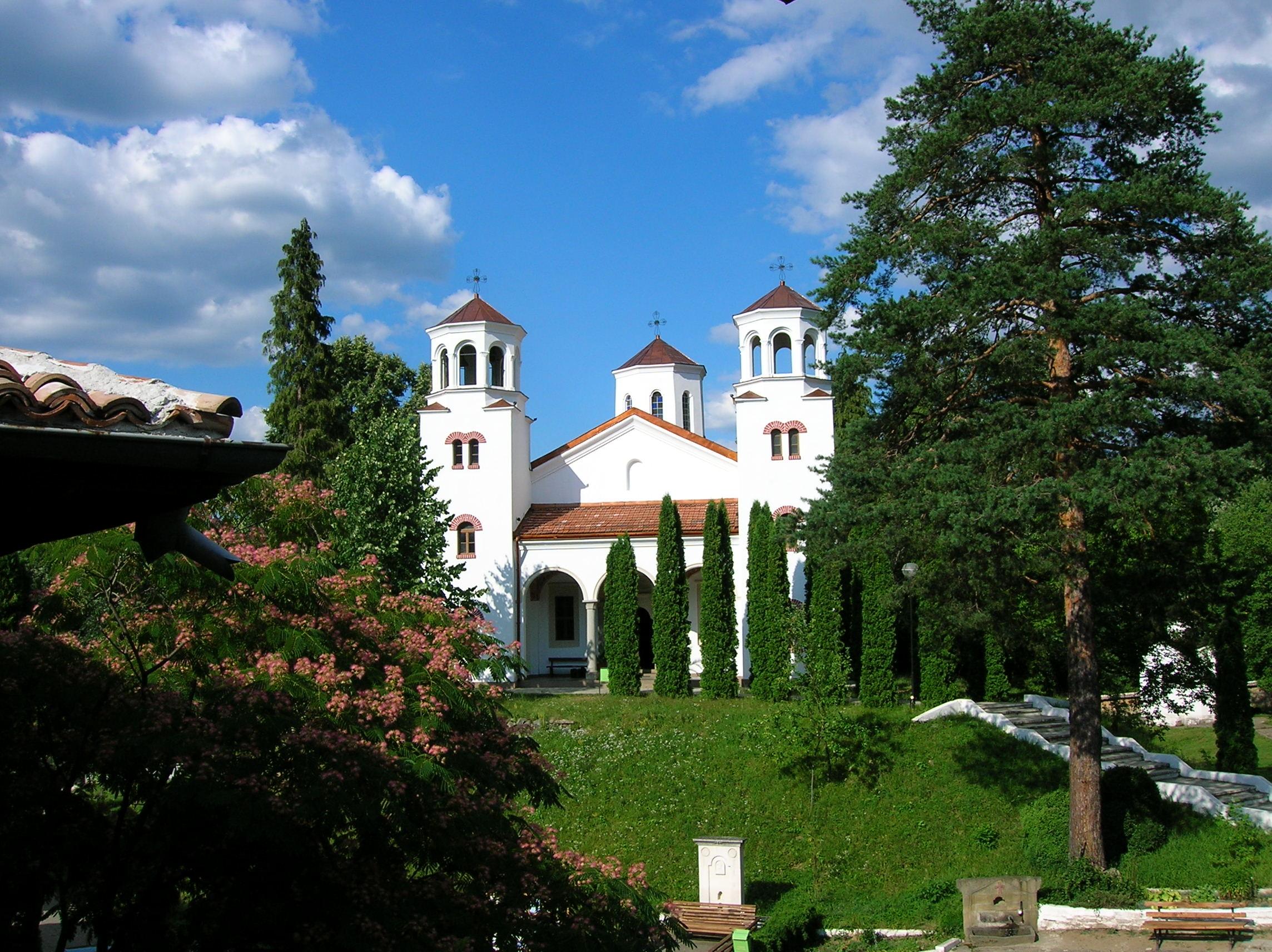 Забележителности около София манастири край София