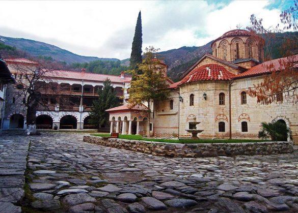 Бачковски манастир - манастири около град Пловдив