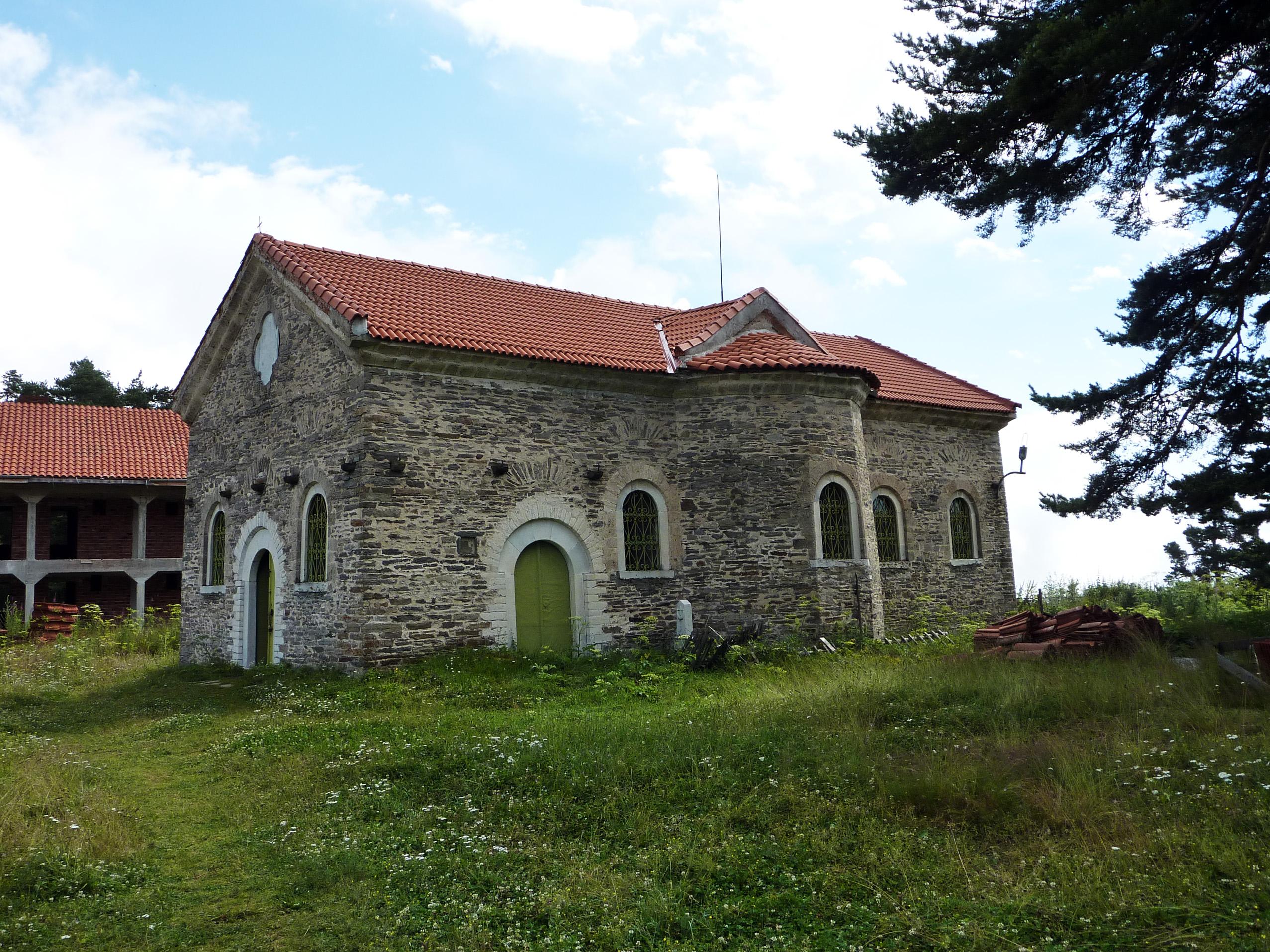 Белочерковски манастир - манастири около град Пловдив