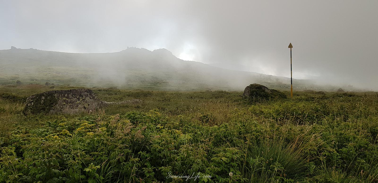 мъгла под черни връх
