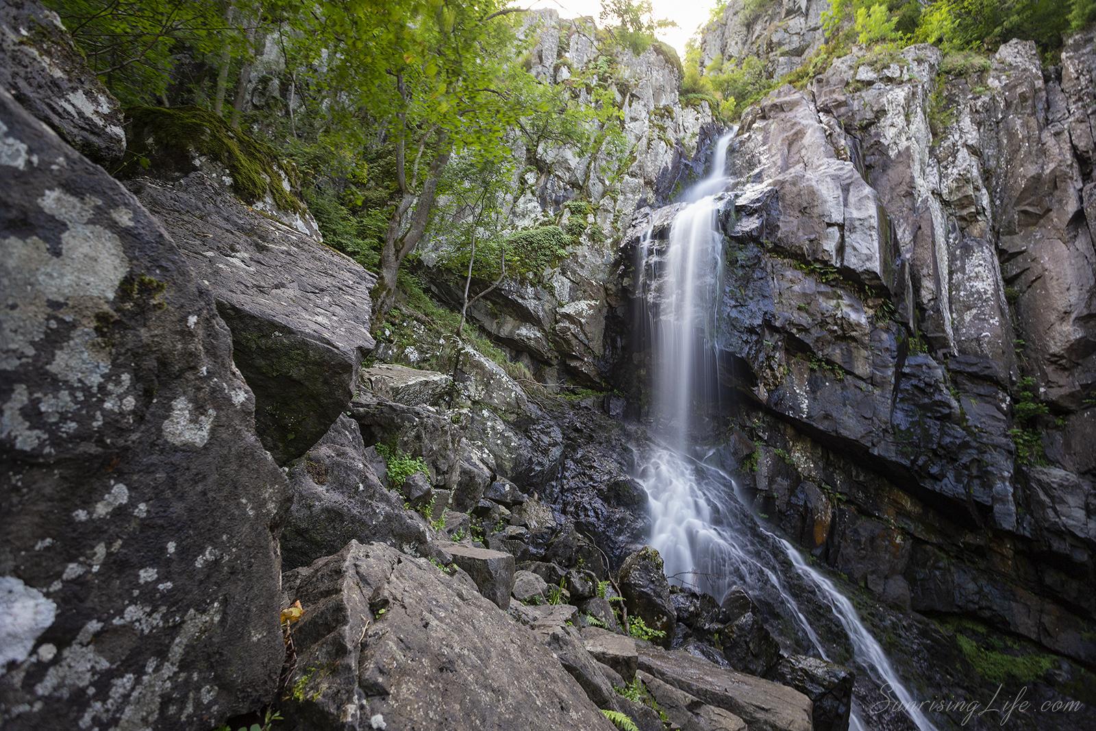 Места около София - Боянски водопад