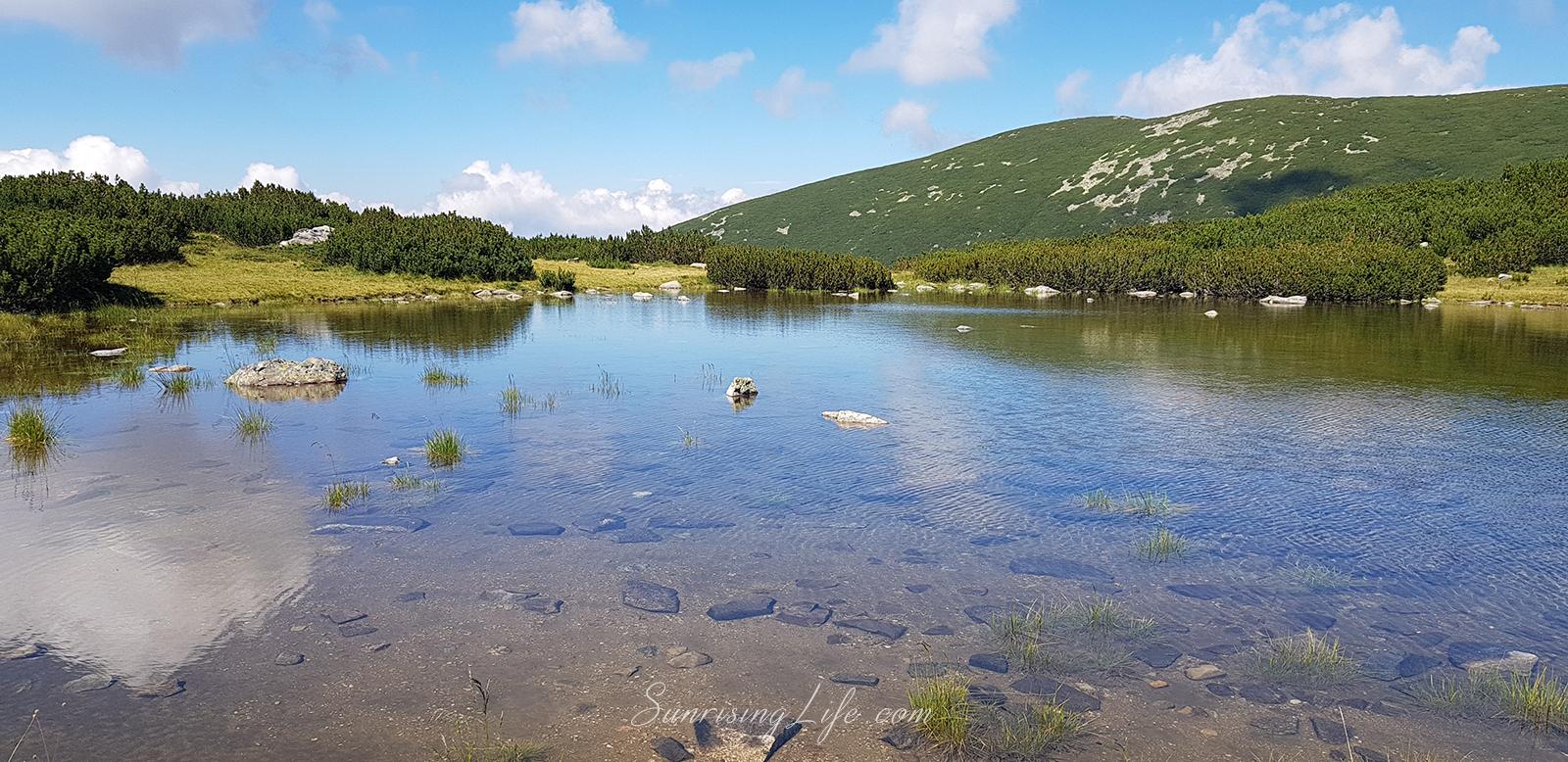 езерото до хижа мусала по пътя към връх мусала