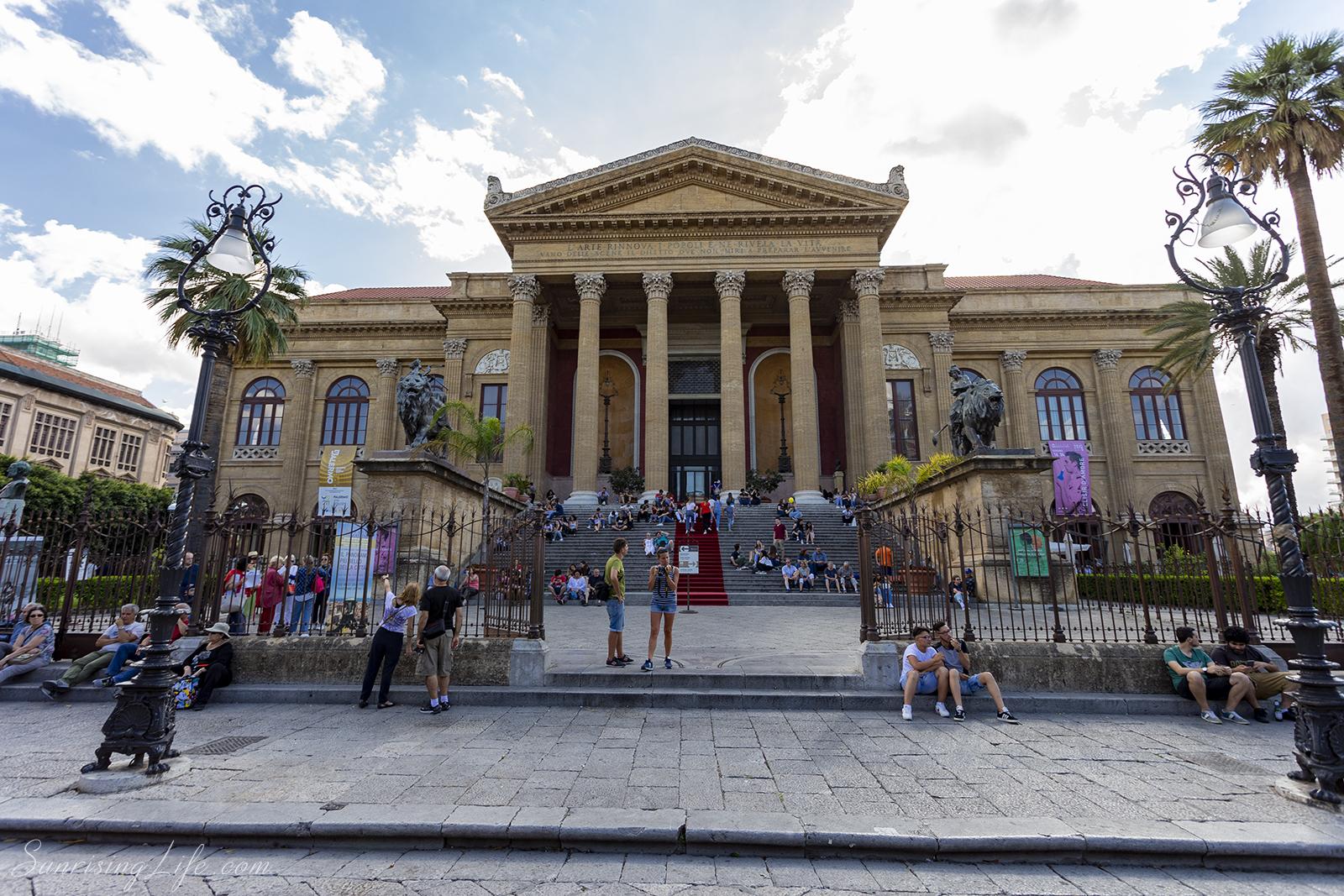 Забележителности в Сицилия - Театро Масимо в Палермо