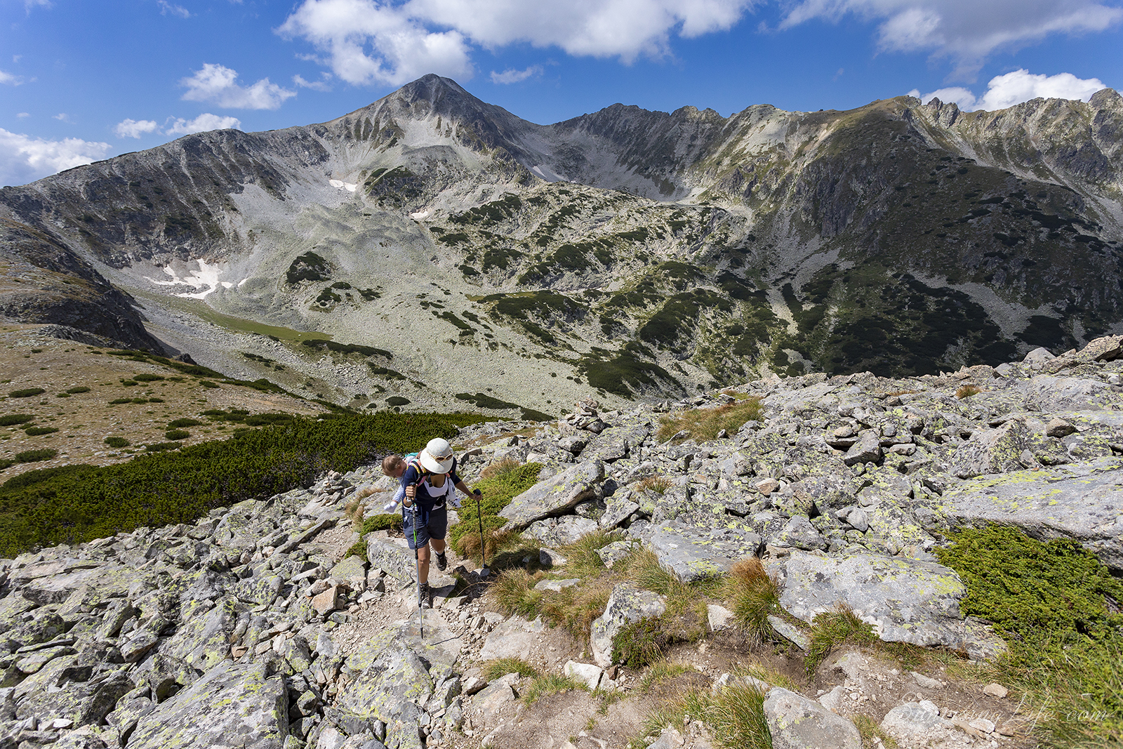 пътеката към връх полежан и връх безбог