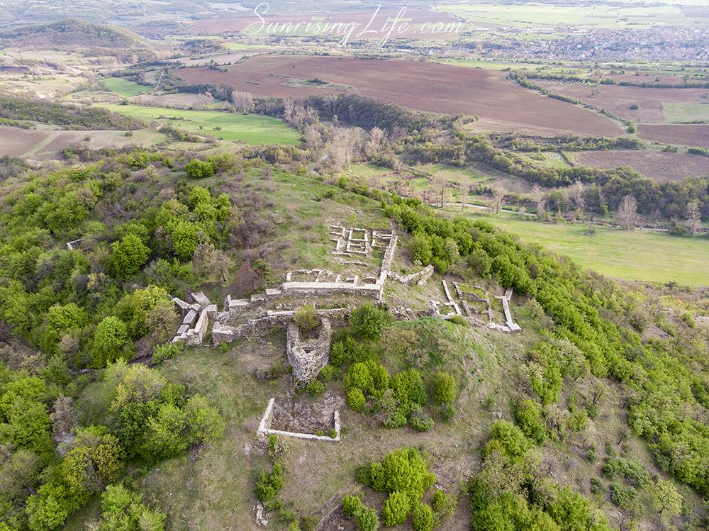 Забележителности около Панагюрище - Крепост Красен