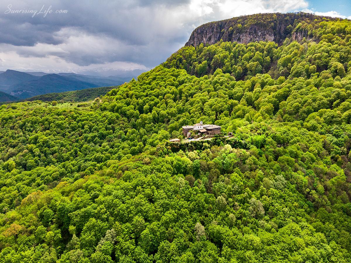 Гложенски манастир - идея за еднодневна разходка близо до София