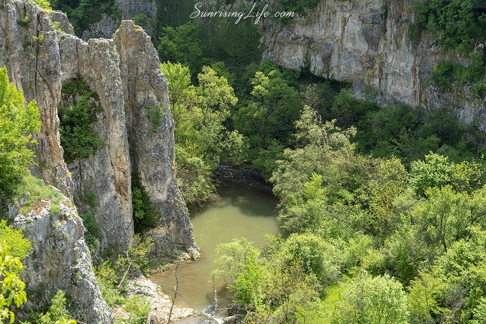 еменски каньон - водопад момин скок