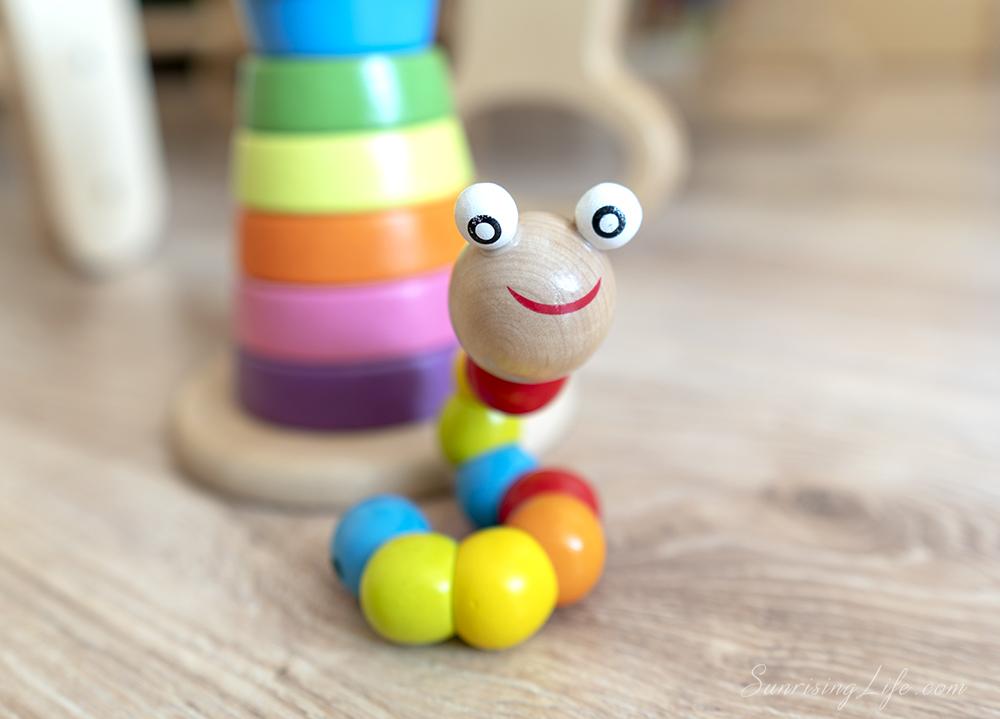 дървена играчка за бебе